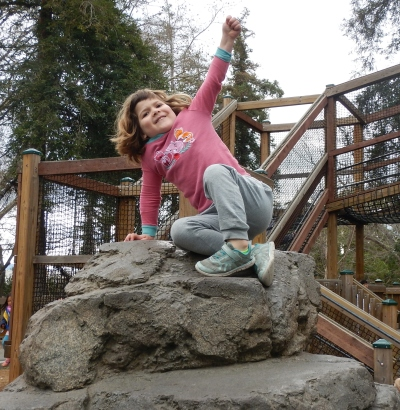 Minerva Siemer on a rock.